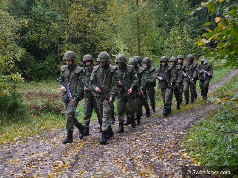 Strzegom: Klasa mundurowa LO na zajęciach poligonowych