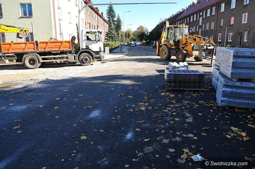 Świdnica: Kończy się przebudowa skrzyżowania ulic Wodnej i Mieszka