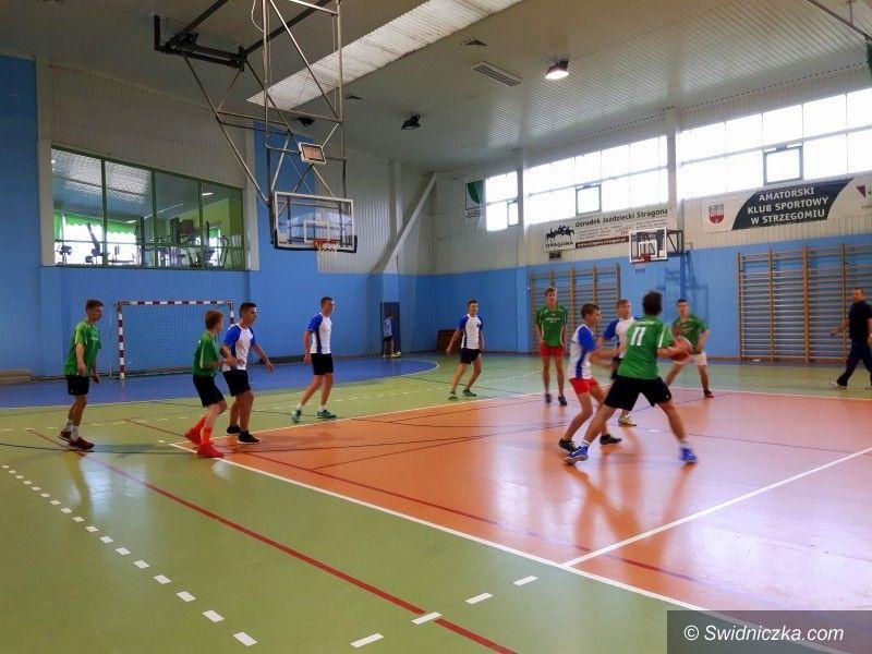 Strzegom: Gminny Turniej Piłki Koszykowej Dziewcząt i Chłopców