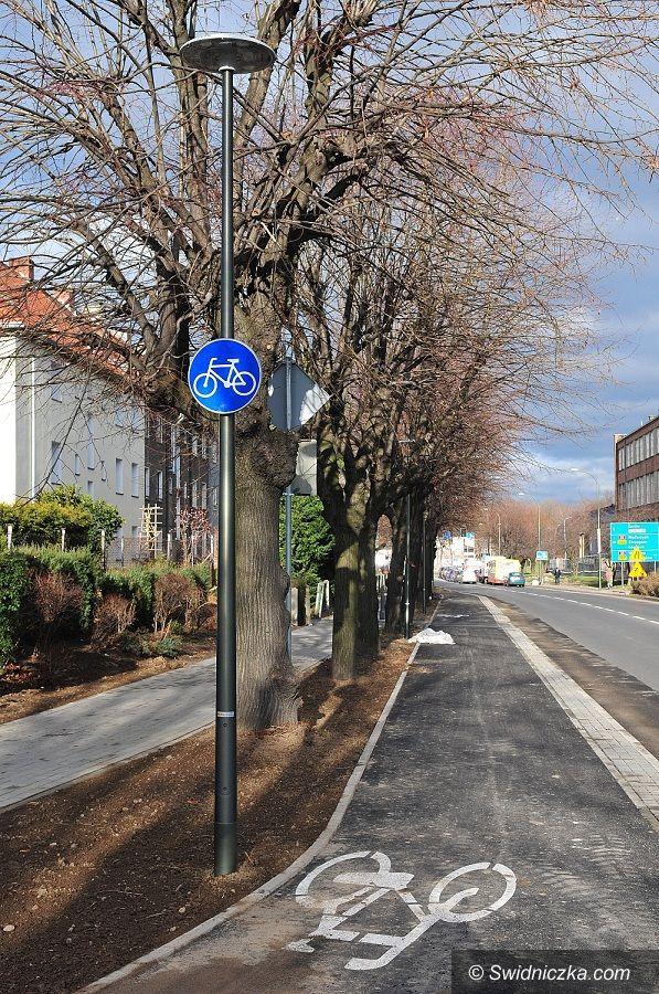 Świdnica: Ulica Łukasińskiego bezpieczna dla rowerzystów i pieszych