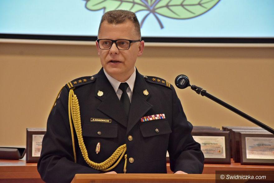 Świdnica: Komendant PSP Tomasz Szuszwalak pożegnał się ze służbą