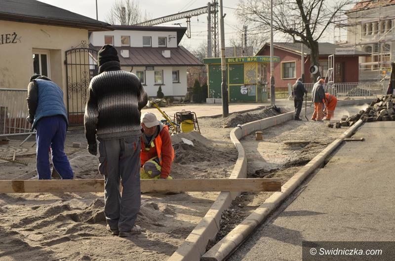 Żarów: Centrum Przesiadkowe – trwają intensywne prace