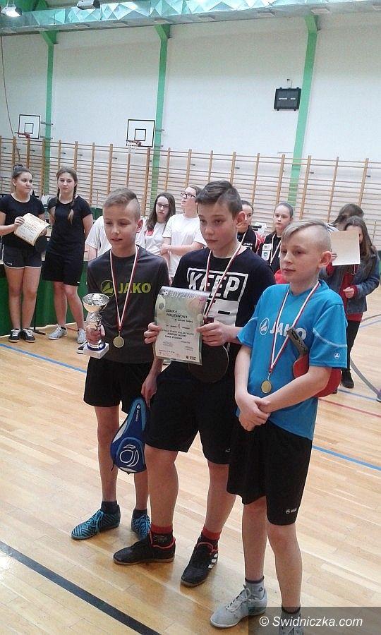 Lutomia Dolna: Mistrzowie tenisa z Lutomi Dolnej