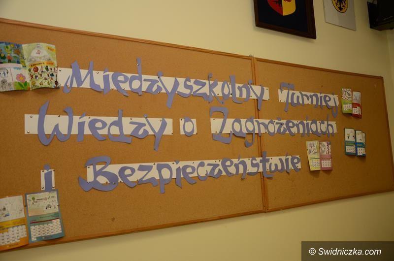 Żarów: Start XVIII Międzyszkolnego Turnieju Wiedzy o Zagrożeniach i Bezpieczeństwie