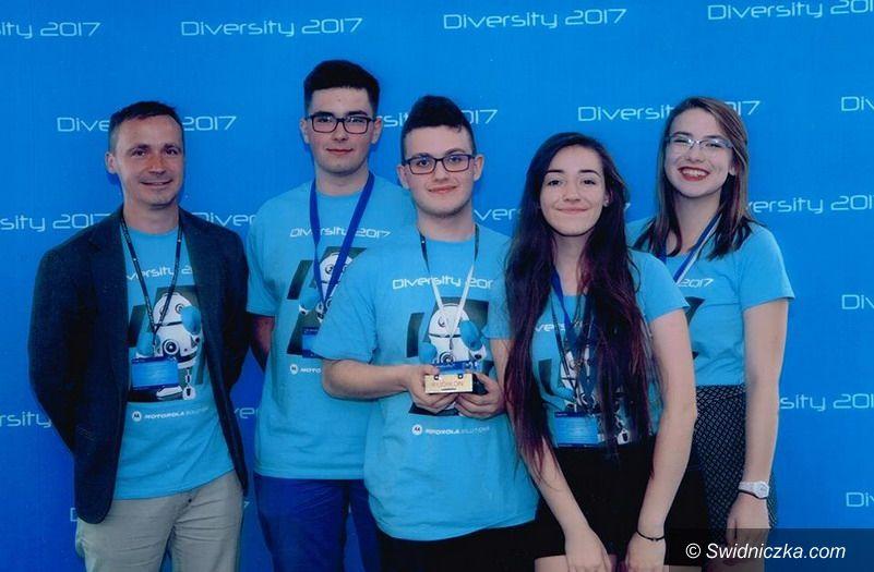 Świdnica: Programiści z II LO awansowali do finału konkursu Diversity