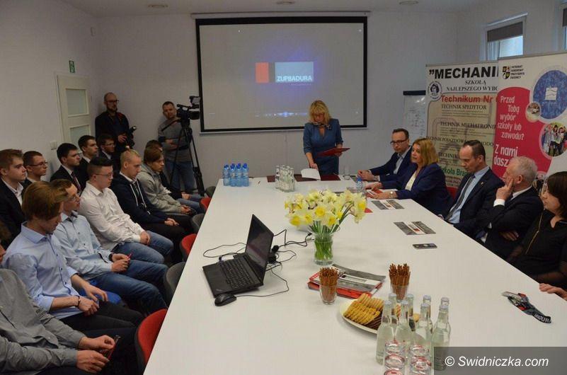 """Świdnica: Kolejny krok ku nowoczesności świdnickiego """"mechanika"""""""
