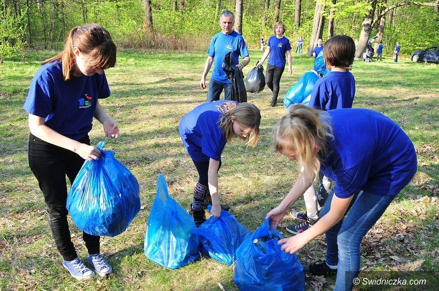 Świdnica: Z okazji Dnia Ziemi dzieci organizują wiosenne porządki
