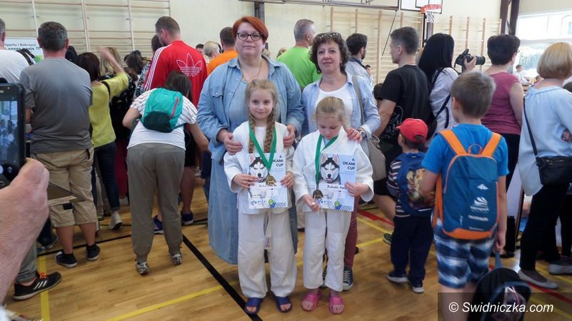 Strzegom: Tatami z workiem medali