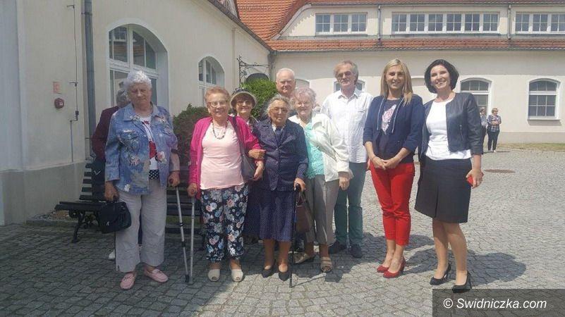 Krzyżowa: Seniorzy w Krzyżowej