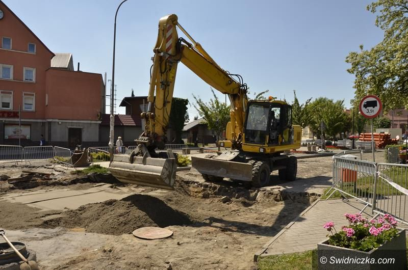 Żarów: Ruszyła przebudowa ulicy Dworcowej