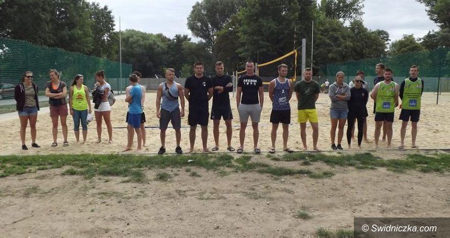 Świdnica: Siatkówka plażowa w modzie