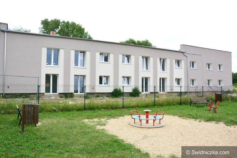 Jaroszów: Zasiedlanie budynku w Jaroszowie