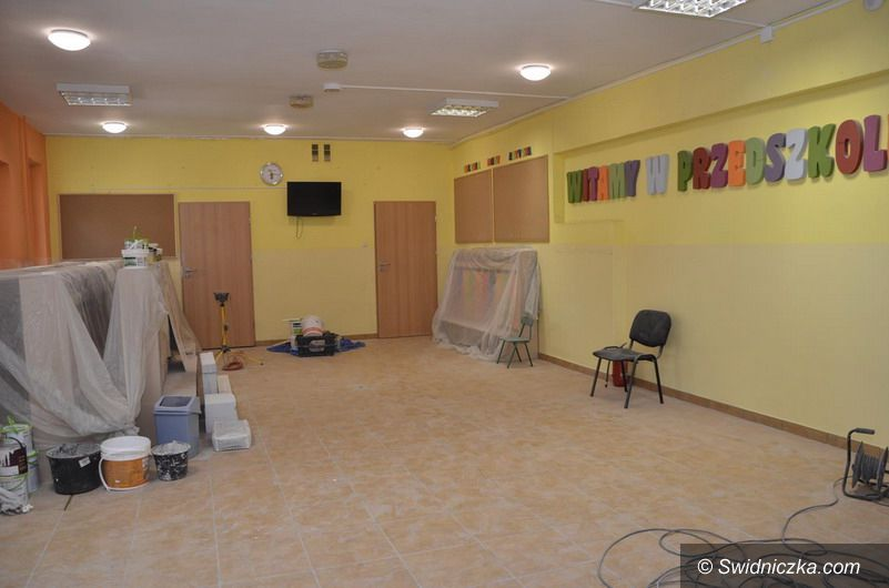 Gmina Żarów: Wakacyjne remonty w szkołach i placówkach oświatowych