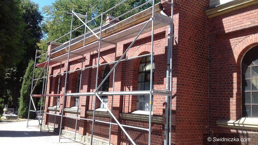 Świdnica: Prace remontowe na cmentarzach komunalnych