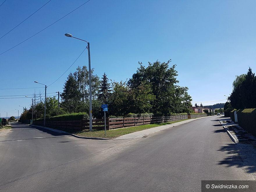 Boleścin: Droga gminna w Boleścinie z nową nawierzchnią