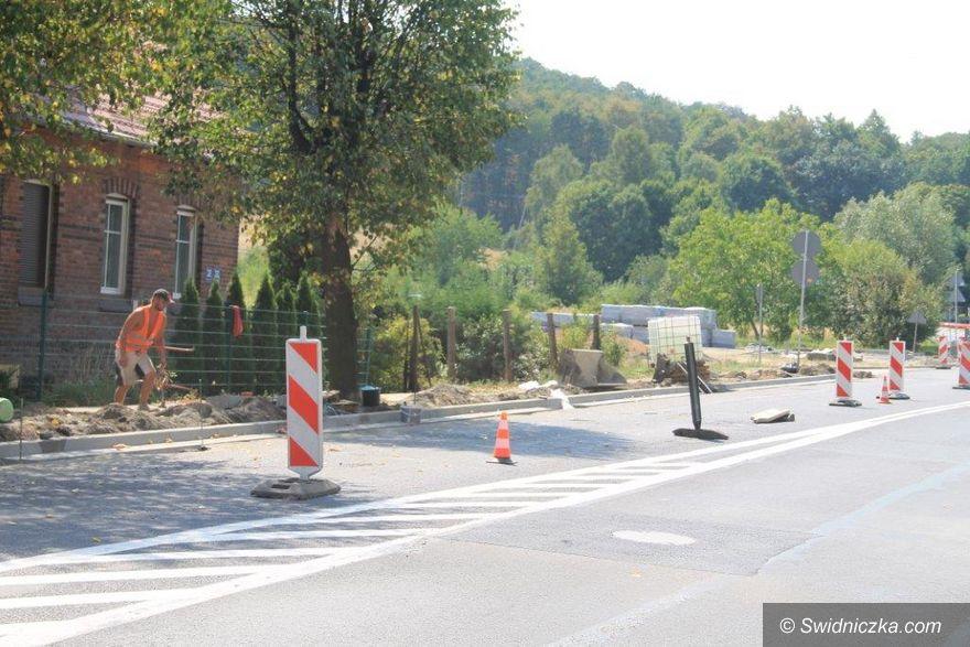 Świebodzice: Remont nawierzchni ulicy Wałbrzyskiej i Piłsudskiego