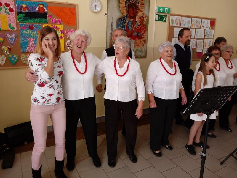 Żarów: Senyor Rici zaśpiewali dla pensjonariuszy Domu Pomocy Społecznej