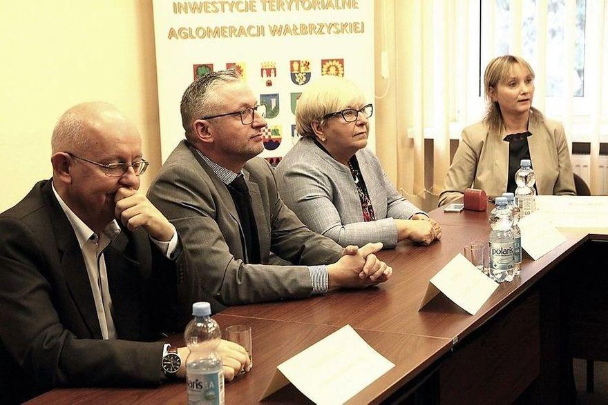 Świdnica/powiat świdnicki: Szynobusem z Jedliny–Zdroju do Świdnicy