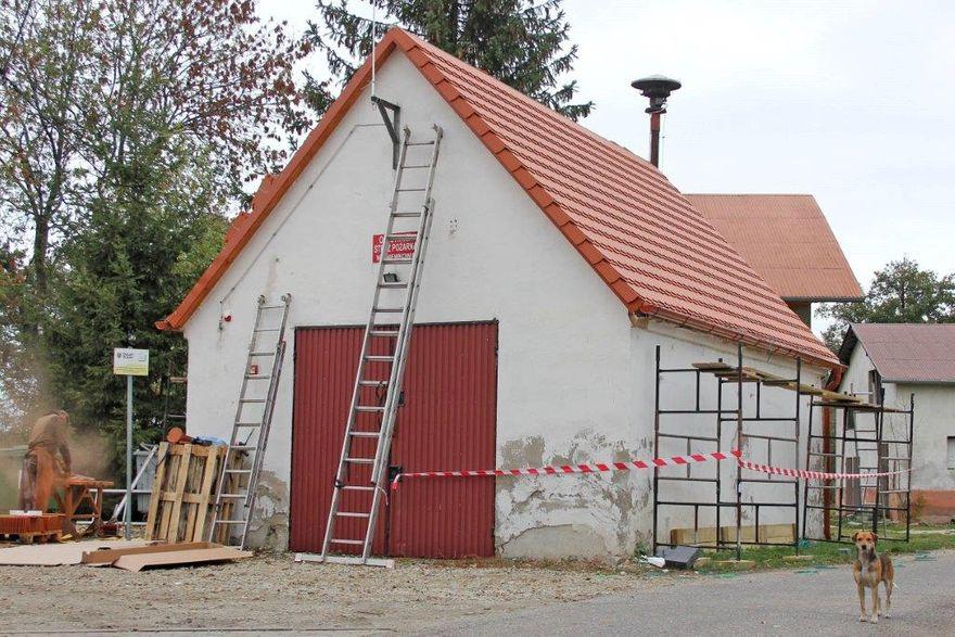 Gniewków: Remiza z nowym dachem