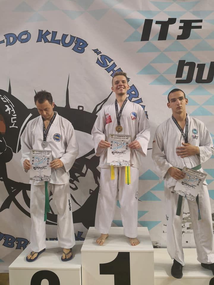 Świebodzice: Uczniowie Liceum Ogólnokształcącego ze Świebodzic mistrzami Europy w taekwondo
