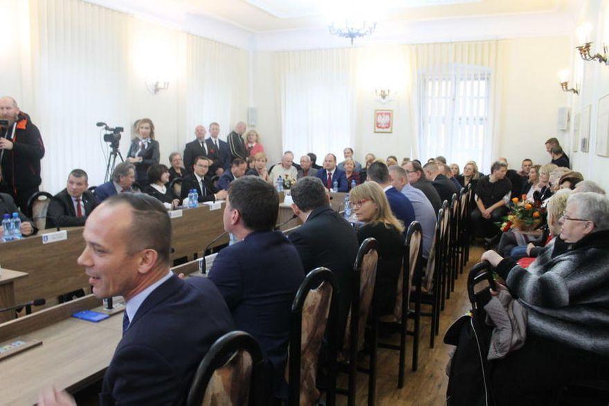 Świebodzice: Inauguracyjna sesja Rady Miejskiej w Świebodzicach
