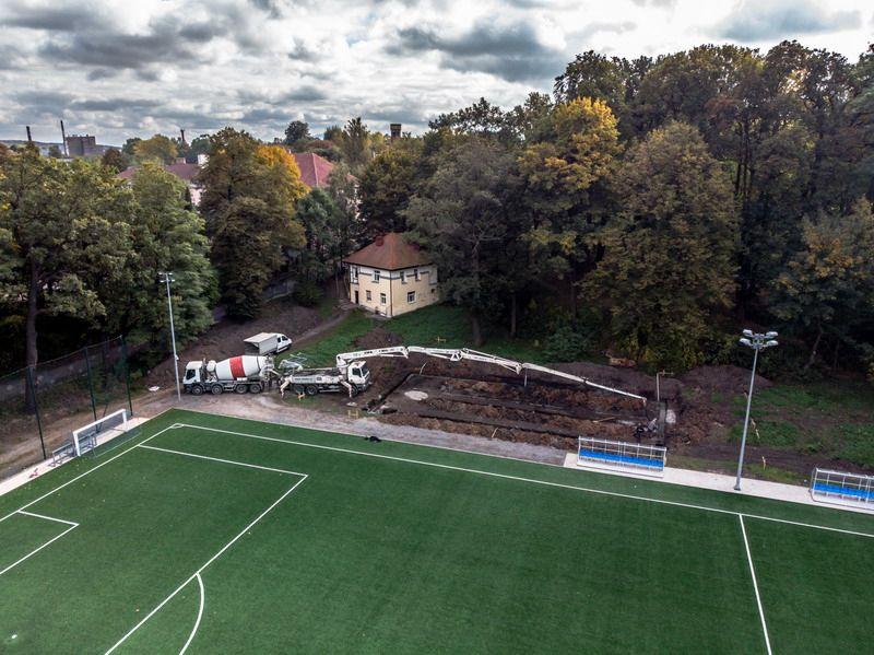 Żarów: Trwa rewitalizacja stadionu miejskiego w Żarowie
