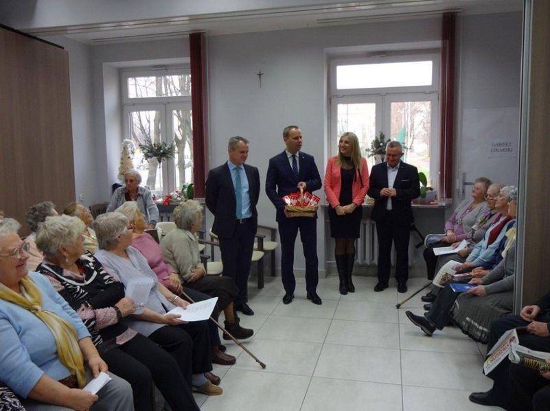 """Strzegom: Świąteczna wizyta w DDP """"Senior–Wigor"""""""