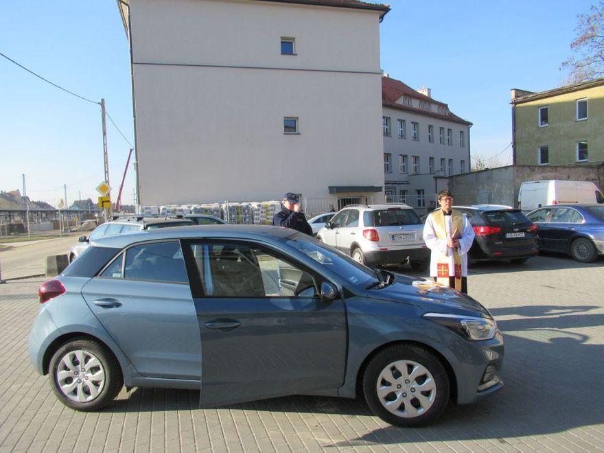Jaworzyna Śląska: Policjanci Jaworzyny Śląskiej otrzymali nowy radiowóz