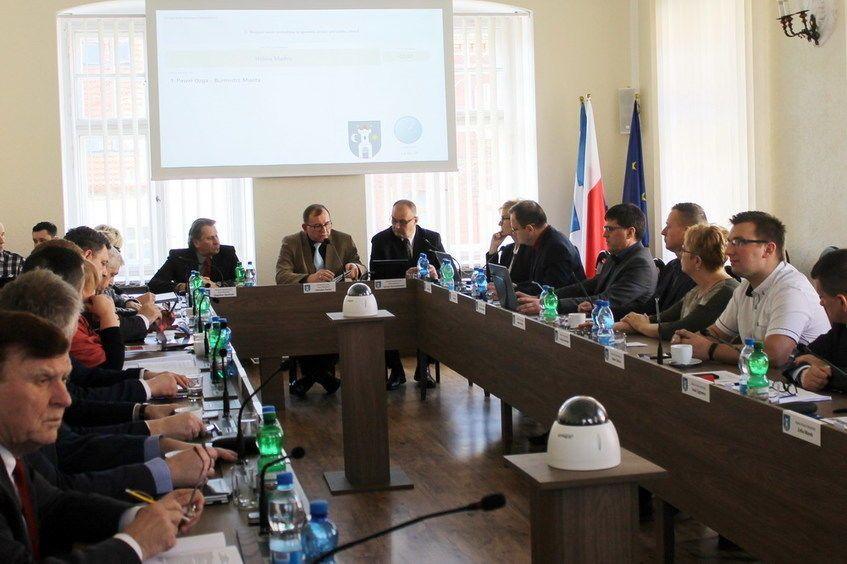 Świebodzice: Po sesji Rady Miasta w Świebodzicach