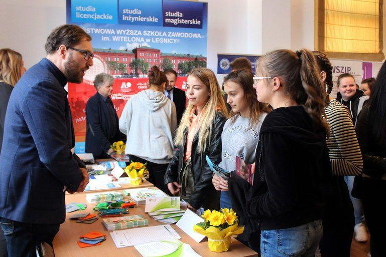 Świebodzice: Młodzi Świebodziczanie na Targach Przedsiębiorczości