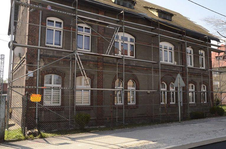 Zarów: Kolejne budynki po odbiorze technicznym