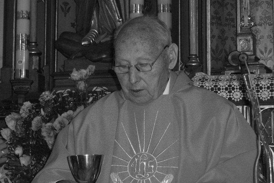 Strzelce: Zmarł ksiądz Tadeusz Dudek–były proboszcz parafii pw. Wszystkich Świętych w Strzelcach