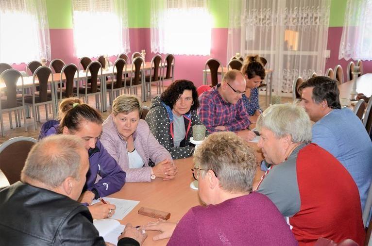 Gmina Żarów: Podzielili fundusze