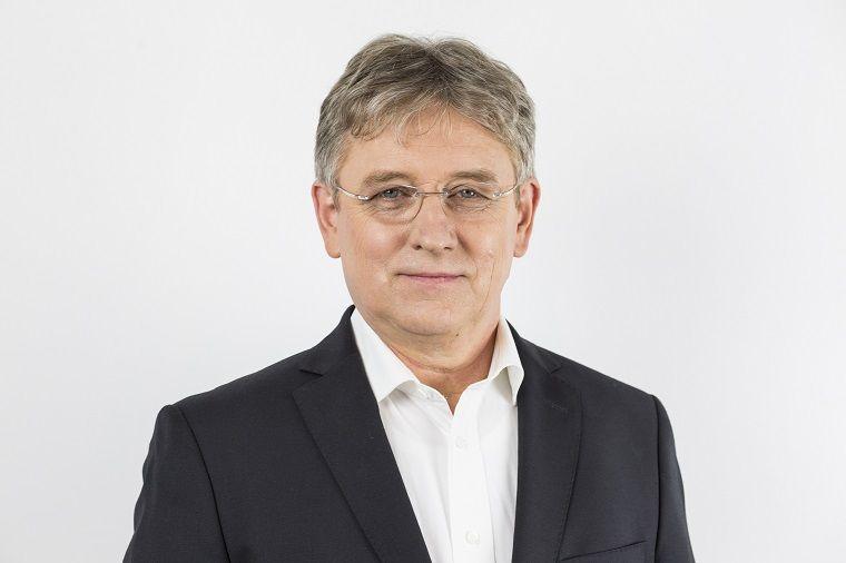 REGION: Ponad 90% Polaków jest bezpartyjnych – rozmowa z Anatolem Szpurem