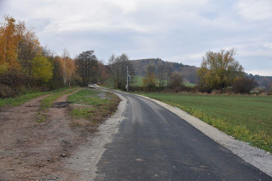 Gmina Świdnica: Asfaltowa nawierzchnia