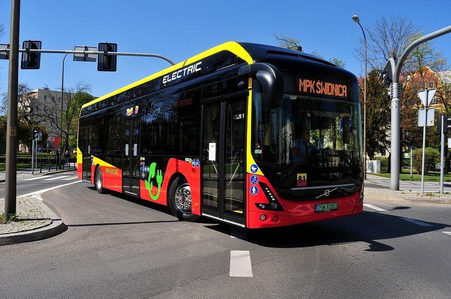 Świdnica: Imiona dla autobusów