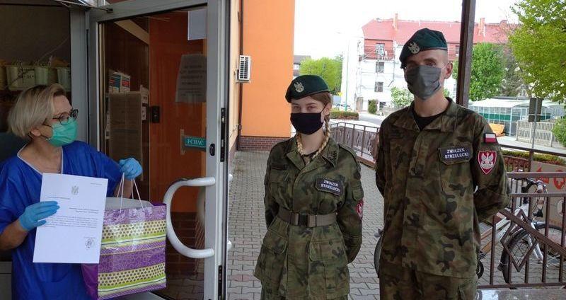 Gmina Strzegom: Przyłbice dla szpitala