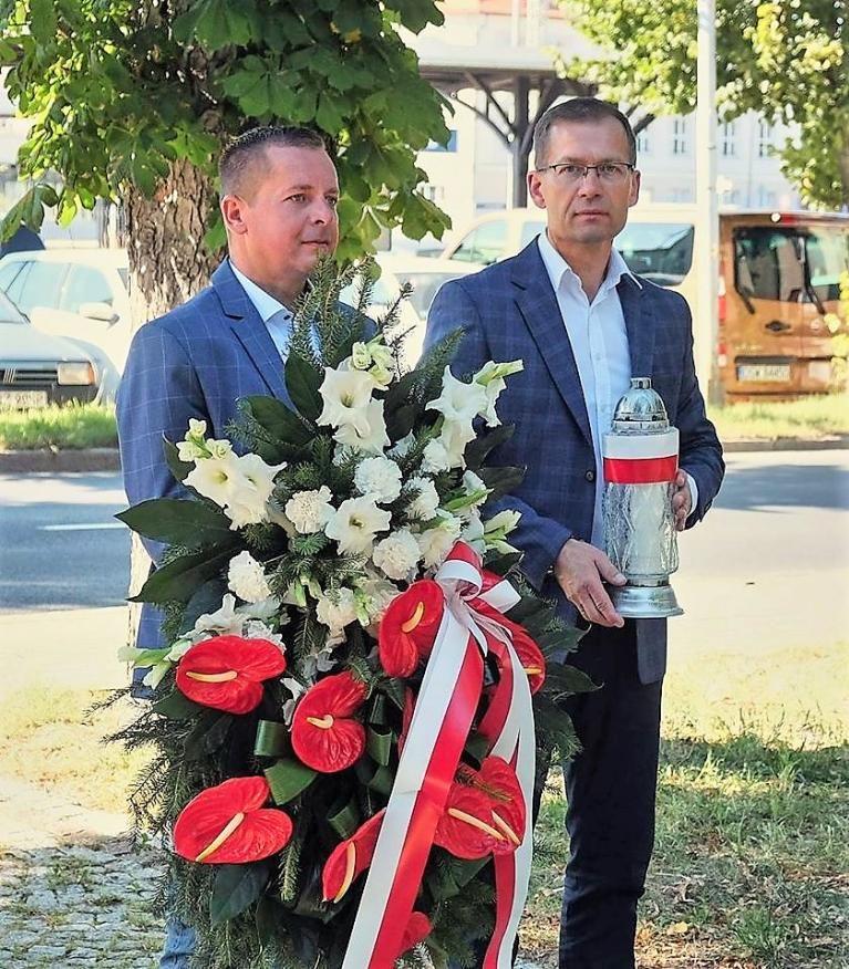 Jaworzyna Śląska: Chwała bohaterom