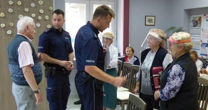 Strzegom: Policjanci u seniorów