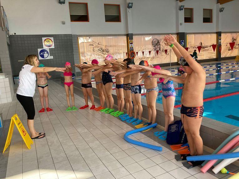 Żarów: Zdrowe pływanie