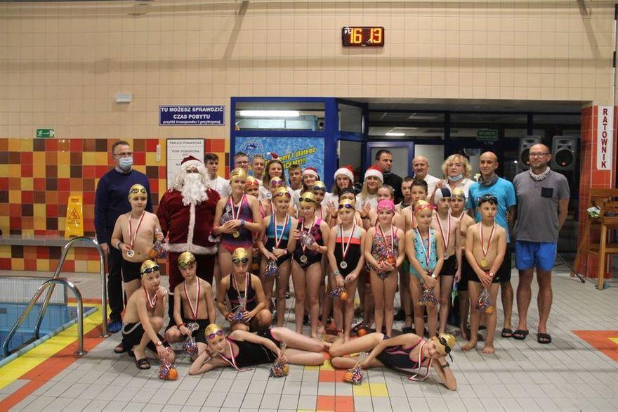 Świebodzice: Zawody pływackie