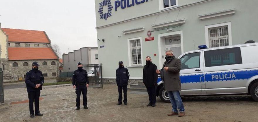 powiat świdnicki: Nowe radiowozy