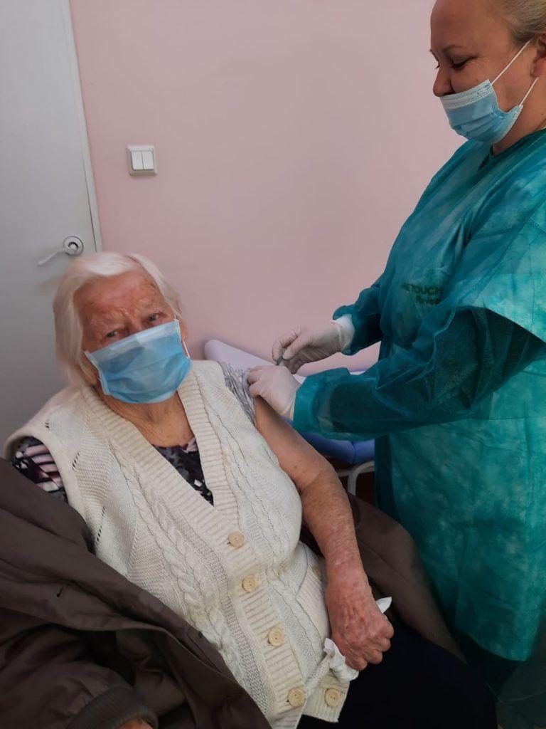 Lutomia Górna: Zaszczepiona 102–latka